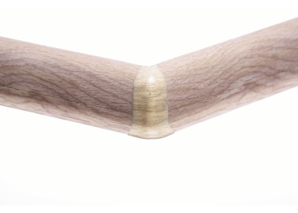 Soklová lišta_AP30 PVC_AP30 vnejsi PVC_soklova-lista-mekcena-salag-56-pvc-dub-galapagy.jpe